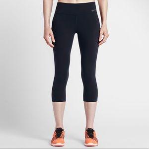 "Nike Power Legendary Women's 20"" Training Capris!!"